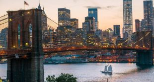 Brooklyn Bridge at night Julienne Schaer 900 601 70