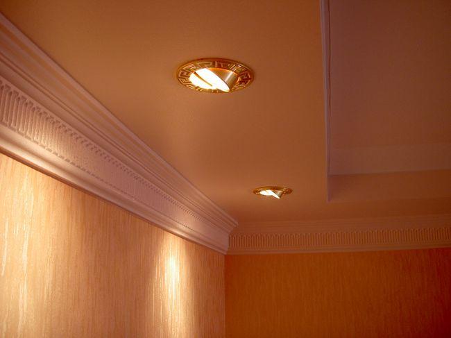 Украшение подвесного потолка - светильники