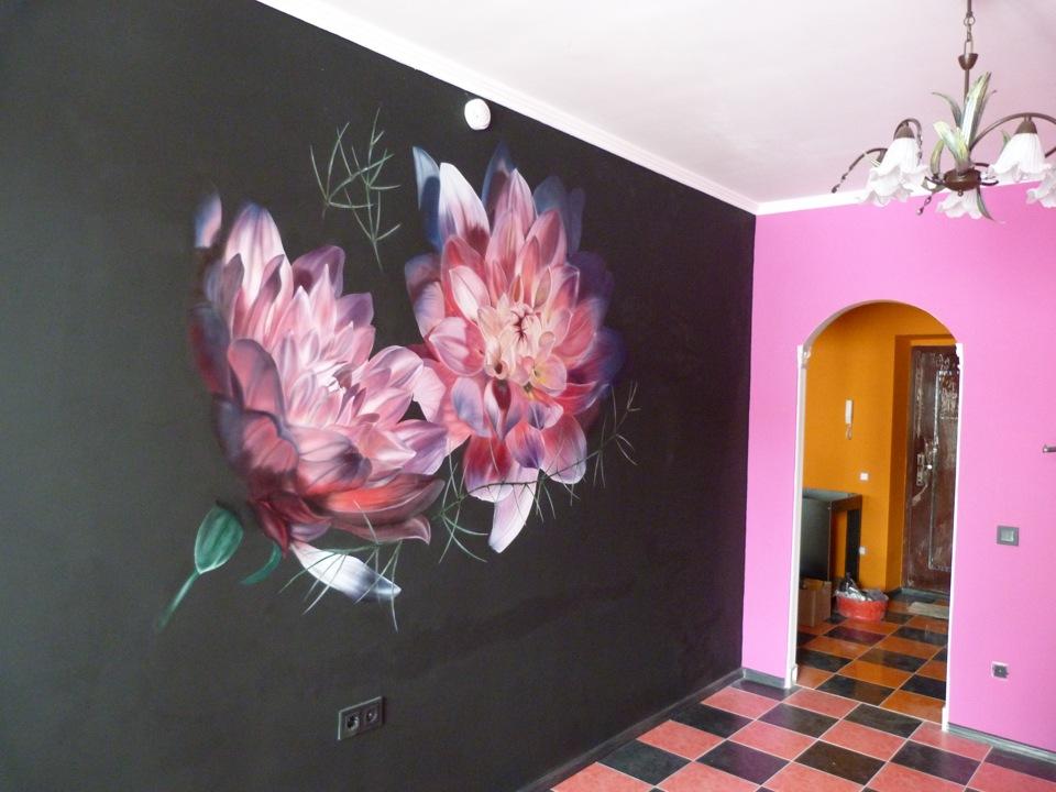 Оформляем стены с помощью аэрографии