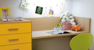 Детский письменный стол для занятий